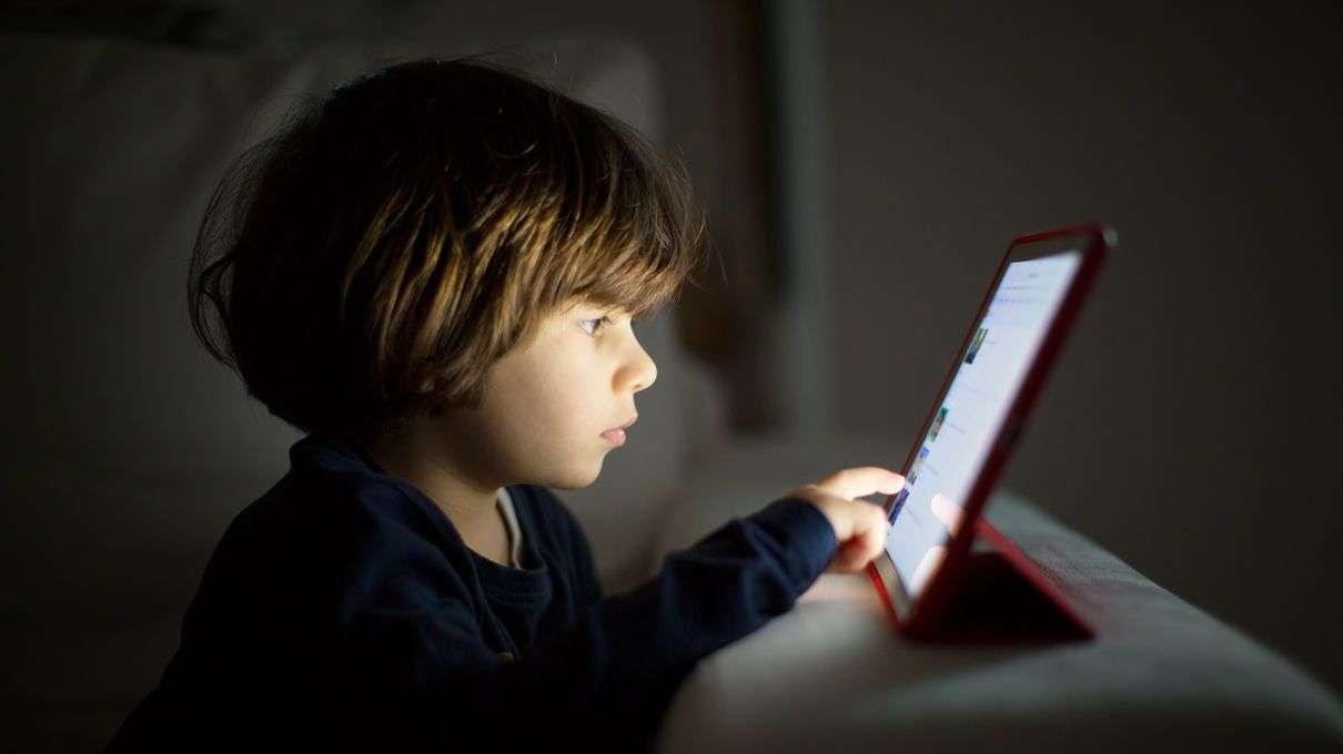 6 Cara Mengawal Anak Ketagihan Gadjet